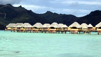 How to Plan a Tahiti Honeymoon Vacation and Stay in Bungalows Over Water