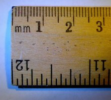 It's easy to measure in millimeters and centimeters.