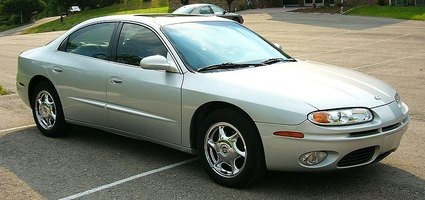 The last year model of the Oldsmobile Aurora