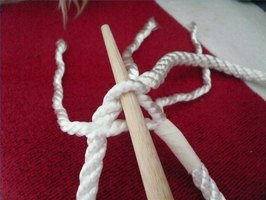 Use the middle strand to start a splice with 3-strand rope.