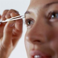 Various methods of designing your eyebrows are available depending on your own tool preferences.