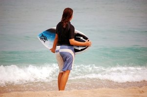 Before getting on your board and catching a wave, check your board and the tide.