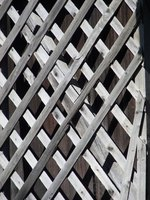 Learn how easy it is to build a gate using wooden lattice board.