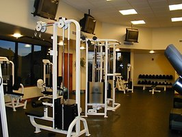 Understanding gym equipment is imperative for personal trainers.