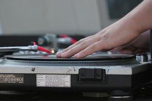http://img-aws.ehowcdn.com/615x200/cme/cme_public_images/www_ehow_com/i.ehow.com/images/a06/ec/fb/characteristics-rap-music-1.1-800x800.jpg