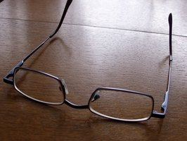Difference Between Reading Glasses And Focusing Glasses