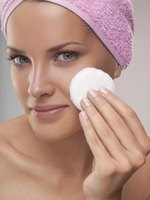 Reduce the appearance of large pores.