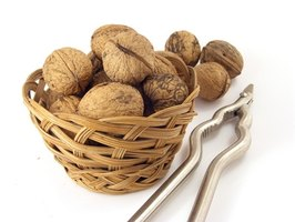 Nuts offer a range of health benefits when eaten in small portions.