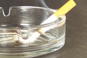 Remove cigarette smoke odor with white vinegar.
