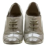 Rounded toe mod shoes were a contrast to their pointy predecessors.