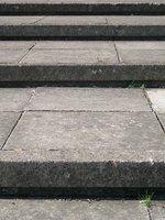 Flagstones can be used to cover steps and landings. .