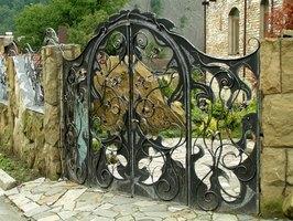 How To Make An Iron Driveway Gate Ehow
