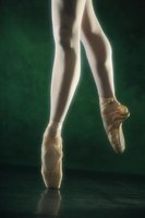 Ballet dancers may be able to achieve more attractive arches on pointe.