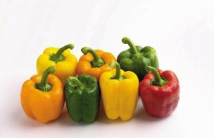 Remove the skin from all types of bell peppers with the same methods.