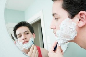 Treat razor rash in a few easy steps.