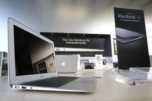 There are three Mac laptops available: the MacBook, the MacBook Pro and the MacBook Air.