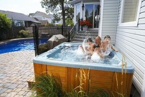 Plants can be used to decorate a hot tub.