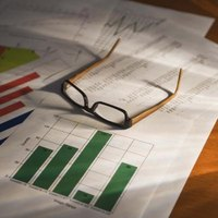 Quantitative and qualitative data can include graphs and charts.
