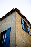 Stucco is popular exterior choice in climates that are warm and dry.