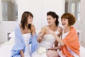 Shine the spotlight of gratitude on bridal attendants by hosting a bridesmaids' brunch.