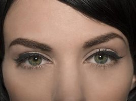Lighter eyebrows can make your eye color stand out better.