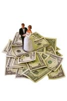 Get help paying for your wedding with online donations.
