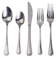 Modern flatware sets have fewer pieces than traditional sets.