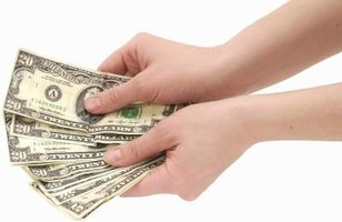 Lawsuit settlement money may be paid as a lump sum or in installments.