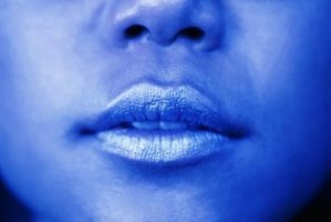 how to get rid of blue lips