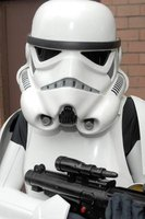 "Make a simple ""Star Wars"" stormtrooper helmet with everyday items."