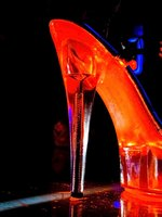 New York strip clubs offer entertainment for women and men.