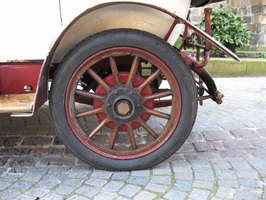 Old rims can be sandblasted and repainted to make them look like new.