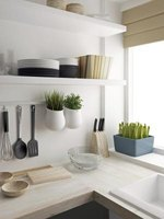 A simple, plain kitchen color scheme works well with modern home decor.