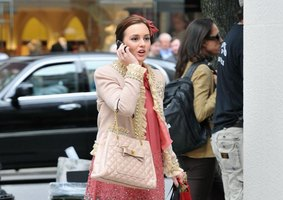 Still of Leighton Meester filming Gossip Girl in NYC.