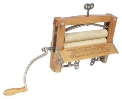 Hand Wringer Vs Spin Dryer Ehow