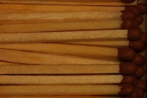 You can use matchsticks to make various children's crafts.