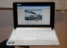 How to Change a Wireless Card on an Acer Aspire One