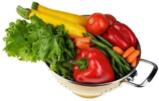 Cooking vegetables for a week encourages a healthy diet.