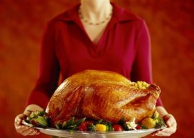 Countertop roaster ovens produce a juicy, flavorful turkey.