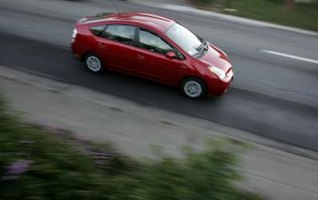 The 2006 Prius' high fuel efficiency rating allows for extended driving between fill ups.