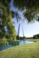 St. Louis, Missouri features historic landmarks and baby shower venues.