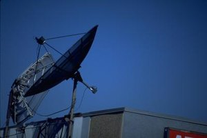What Is the Difference Between a C Band & K Band Satellite Dish?