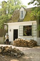 Plenty of shops and attractions in Colonial Williamsburg are free, and nearby hotels typically are reasonable.