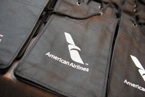 An American Airlines bag.