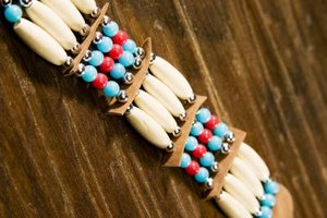 Easy native american jewelry crafts for children ehow for Easy native american crafts