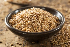A bowl of flaxseed.