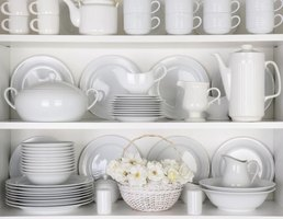 Use monochromatic dishes to create a sublime and simple display.