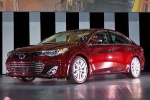 With a new look, the Toyota Avalon is set to take on the sub-luxury sedan realm.