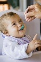 Starting solid foods too early doesn't benefit your baby.