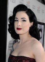 1940s barrel style curls are quite popular amongst celebrities.